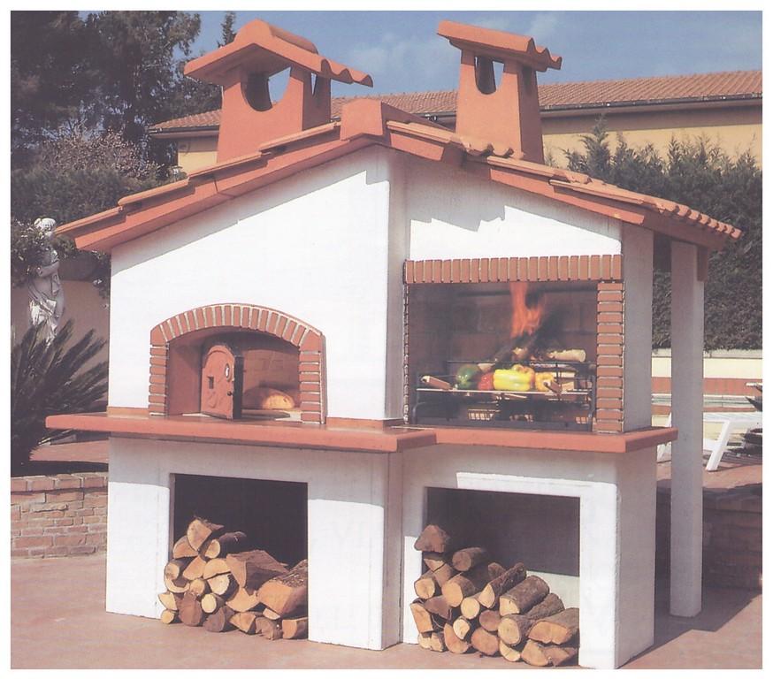 Forno a legna da esterno prefabbricato confortevole for Forno a legna in mattoni refrattari