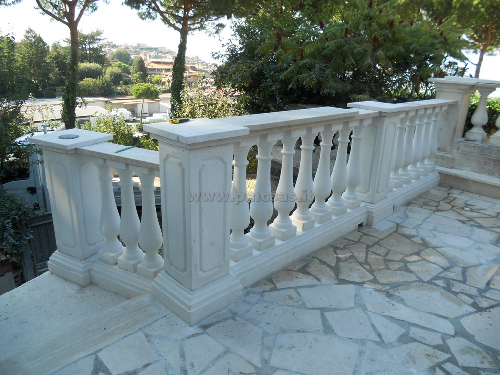 Manufatti in cemento pmc prefabbricati e arredo giardino for Arredo giardino in cemento