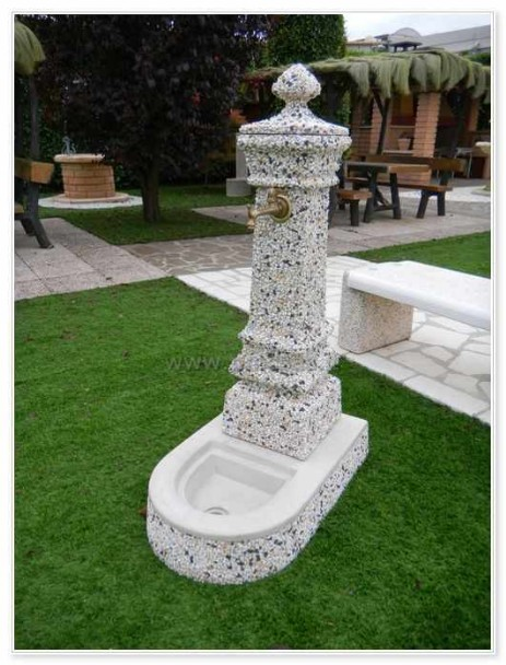 Fontane arredo urbano pmc prefabbricati e arredo giardino - Fontane da giardino in pietra ...